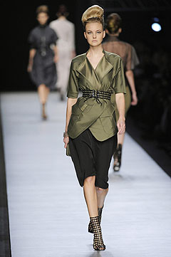 Yves Saint Laurent Spring/Summer 2009 :  modern womens clothing designer clothing collection