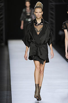 Yves Saint Laurent Spring/Summer 2009 :  black dress clothing cocktail womens clothing