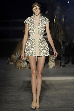 Alexander McQueen Spring/Summer  2009 :  chic womens clothing womens designer clothing
