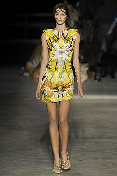 Alexander McQueen Spring/Summer  2009 :  modern womens clothing designer clothing evening