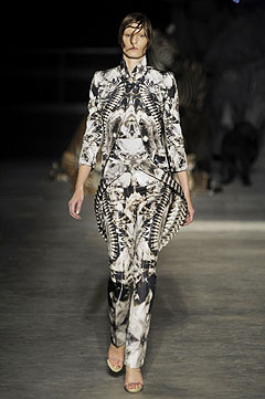 Alexander McQueen Spring/Summer  2009 :  2009 collection style clothing cocktail