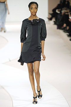 Valentino Spring-Summer 2009 :  black dress style clothing cocktail