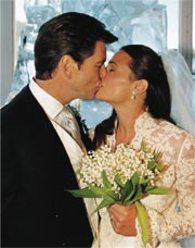 The Newlyweds Exchange One Of Their Many Kisses Night After Pierce Sees Keelys Surprise For Him