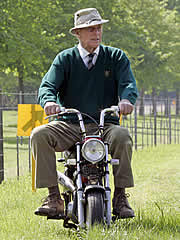 The Duke Of Edinburgh Saddles Up Again At Windsor Horse Show He Completed A Lap Carriage Driving Circuit With His Former Riding Partner Lady